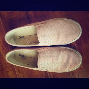 Gap slip on shoes